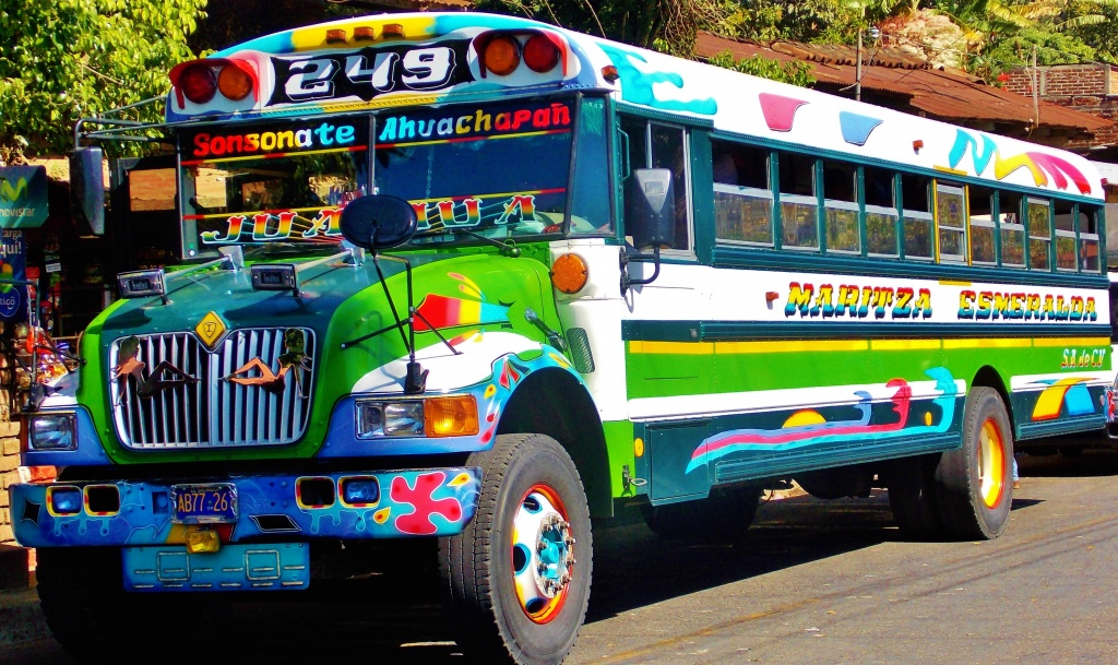 juayua-chicken-bus.jpg