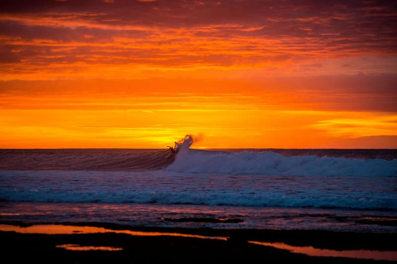 jordy-smith-sunrise-surf-bells-beach-australlia6.jpg