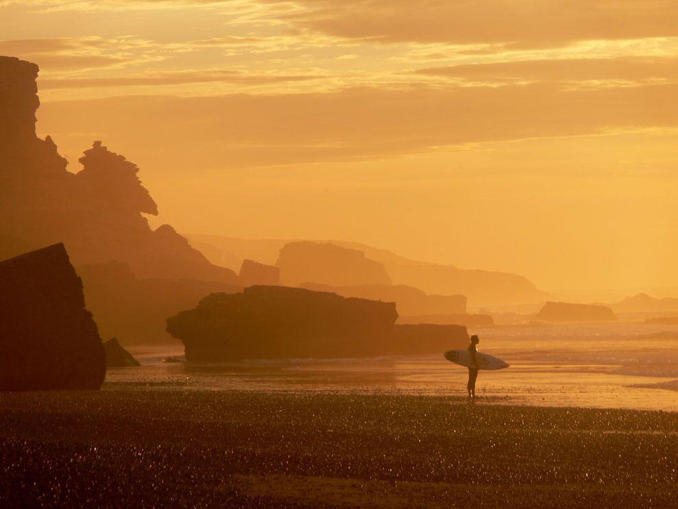surfing-tamri-plage-morocco_55846_990x742.jpg